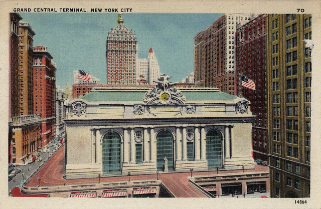 Walk in New York - NYC Vintage - Postcard - Grand Central Terminal