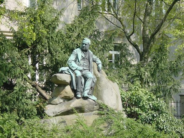Statute of Stifter, Linz.