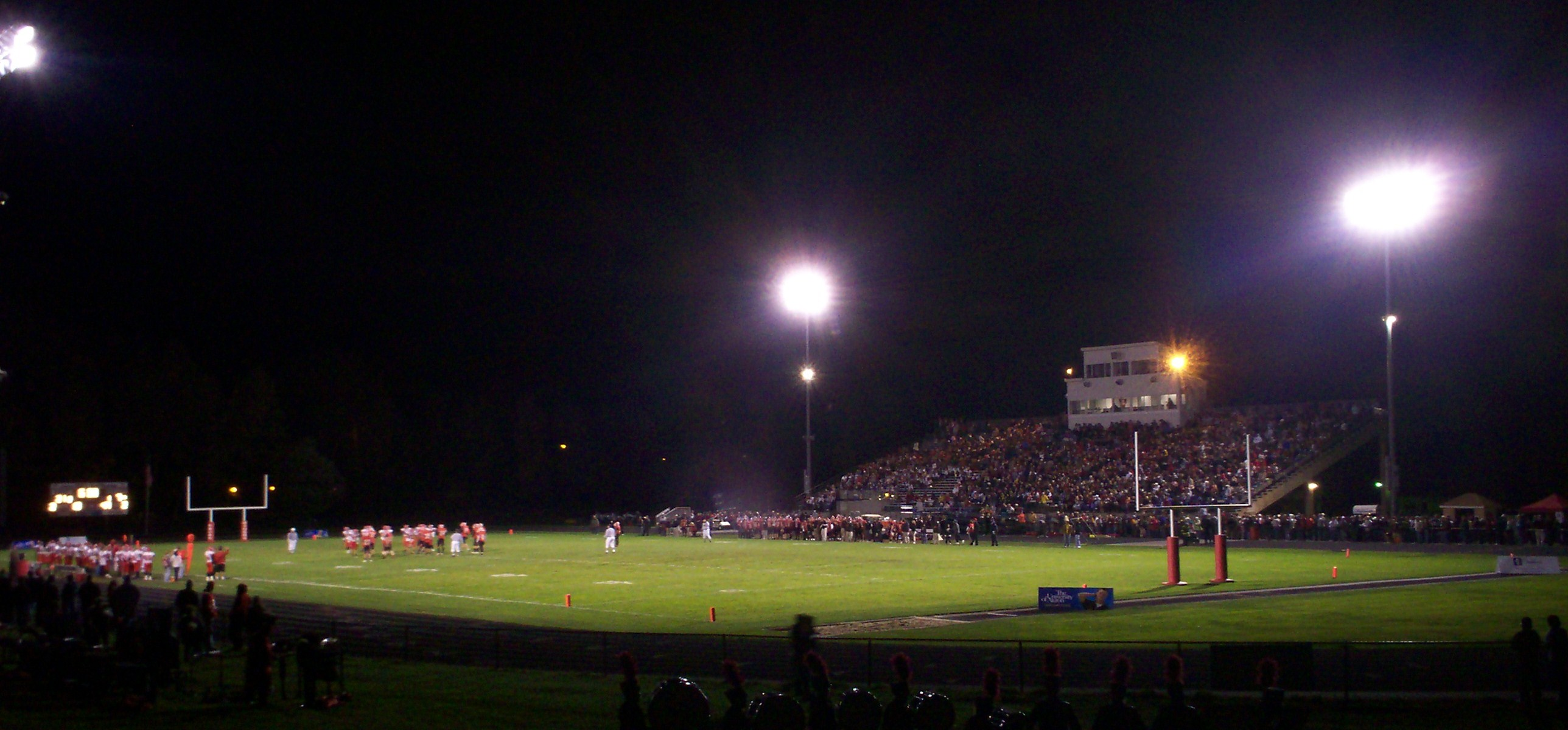 Roosevelt_Stadium_night_2