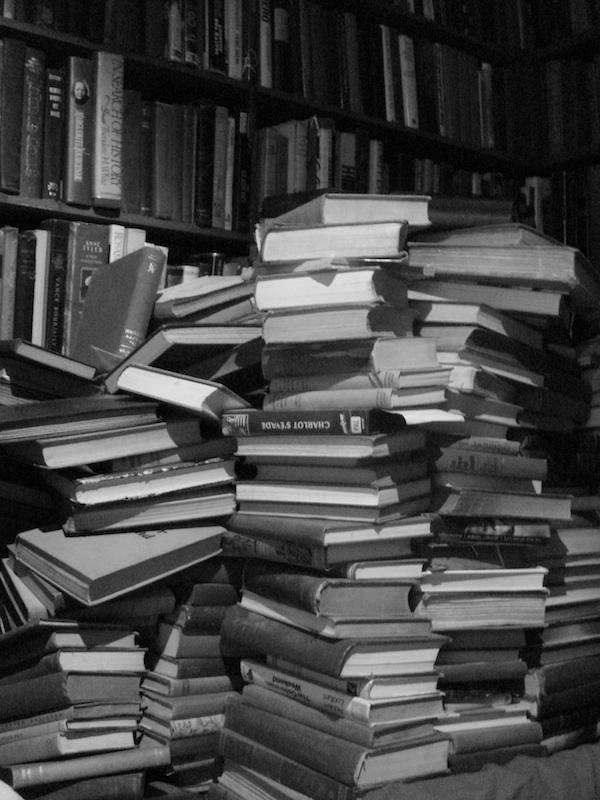 bookstacklarrge