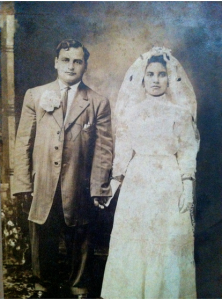 Syrian wedding in New York, c. 1910. Collection of Save Washington Street
