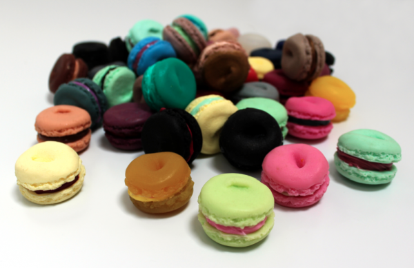 Alvin Booth, Nombrillisme; silicone macarons, porcelain stand.