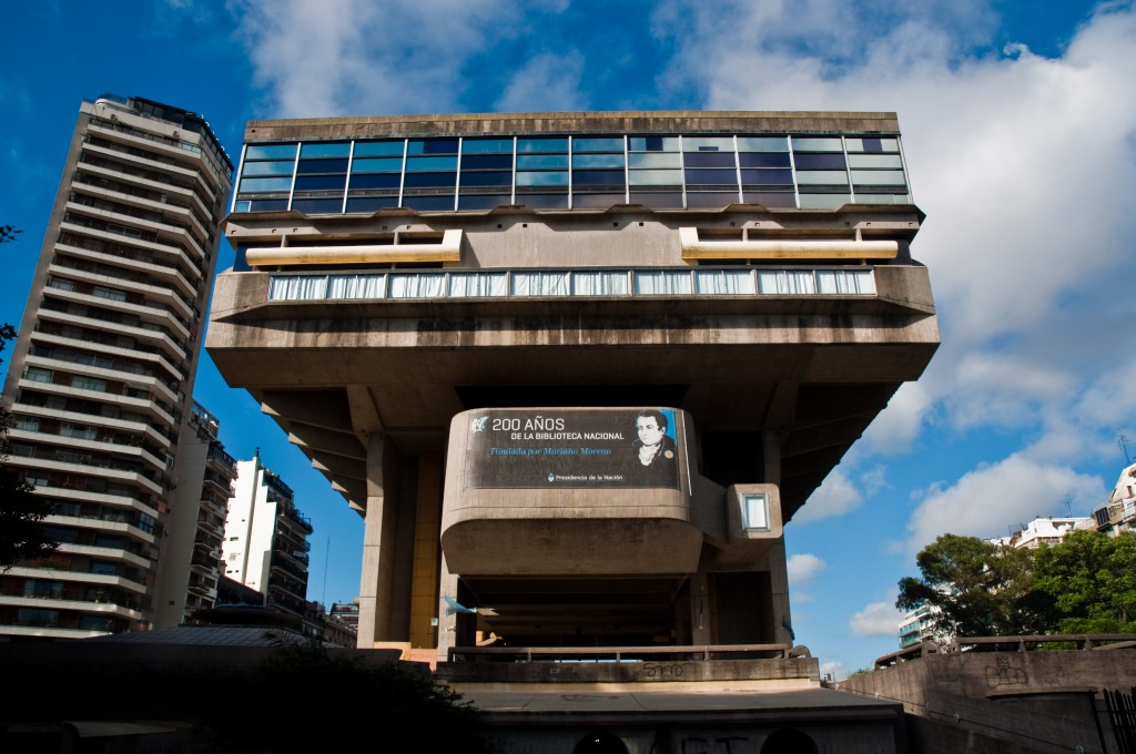 National_Library,_Buenos_Aires,_Argentina,_30th._Dec._2010_-_Flickr_-_PhillipC