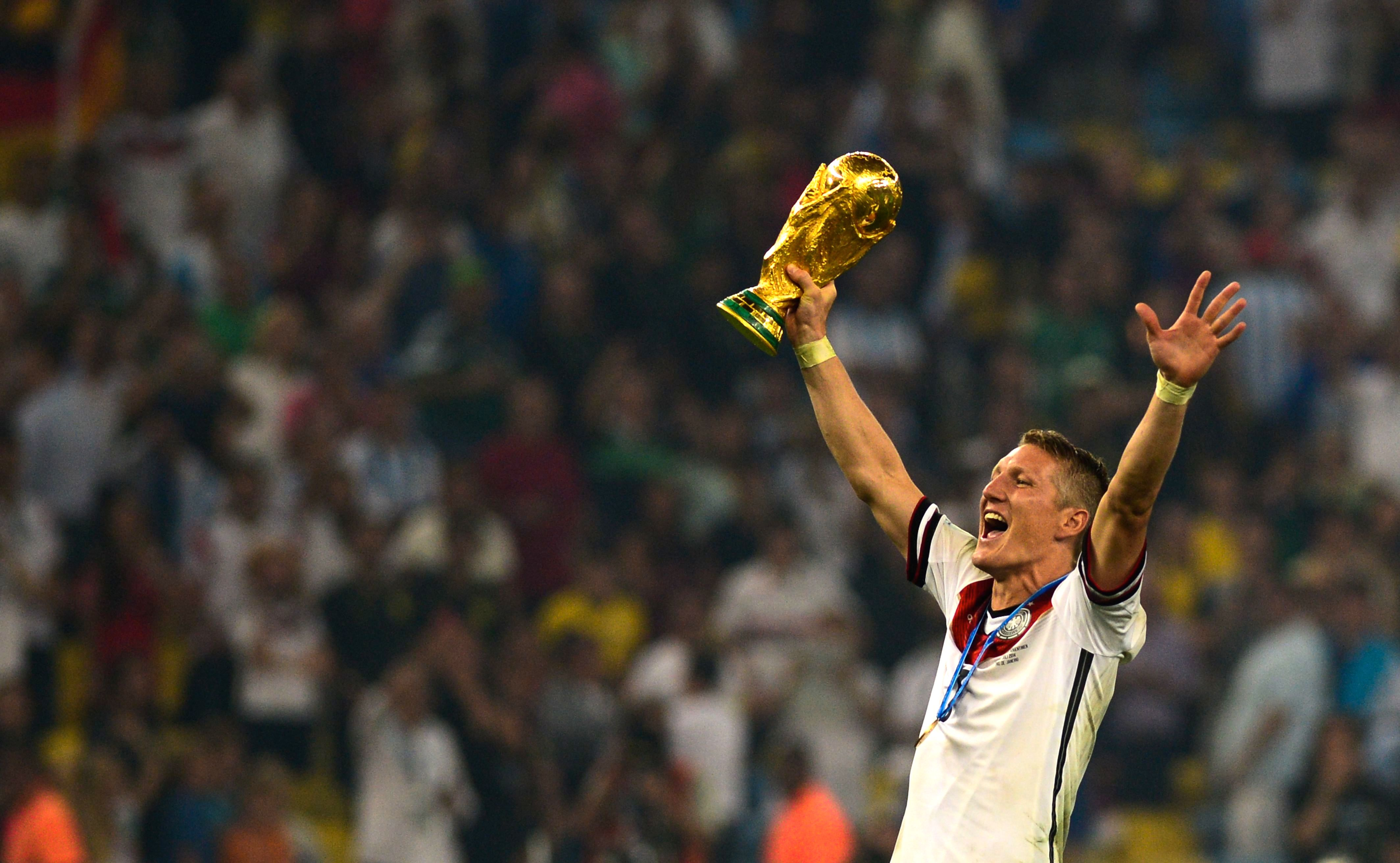 Bastian_Schweinsteiger_celebrates_at_the_2014_FIFA_World_Cup