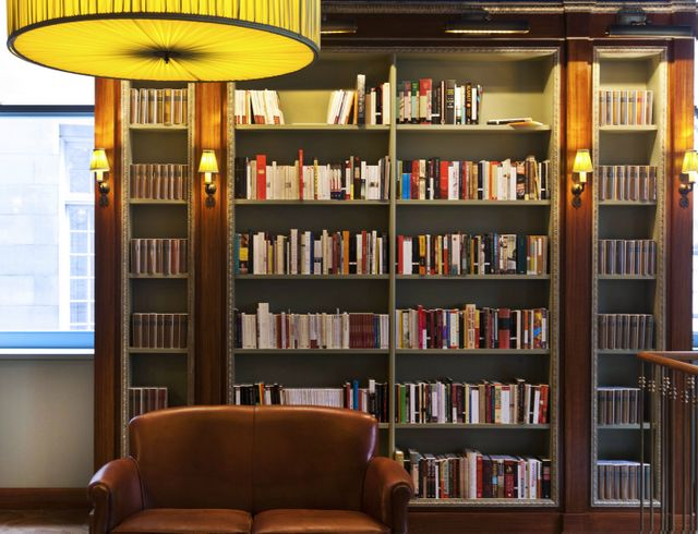 Albertine-French-Bookstore-Cultural-Services-of-French-Embassy-972-Fifth-Avenue-Payne-Whitney-Mansion-NYC-002