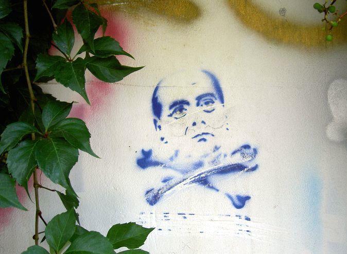 Berlusconi_stencil