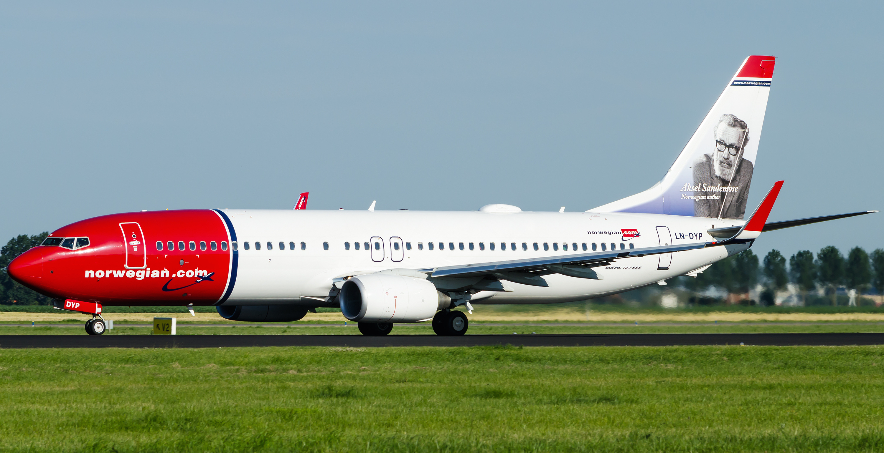 norwegian_air_shuttle_boeing_737_8jp_by_sliverfoxnl-d58ojuy