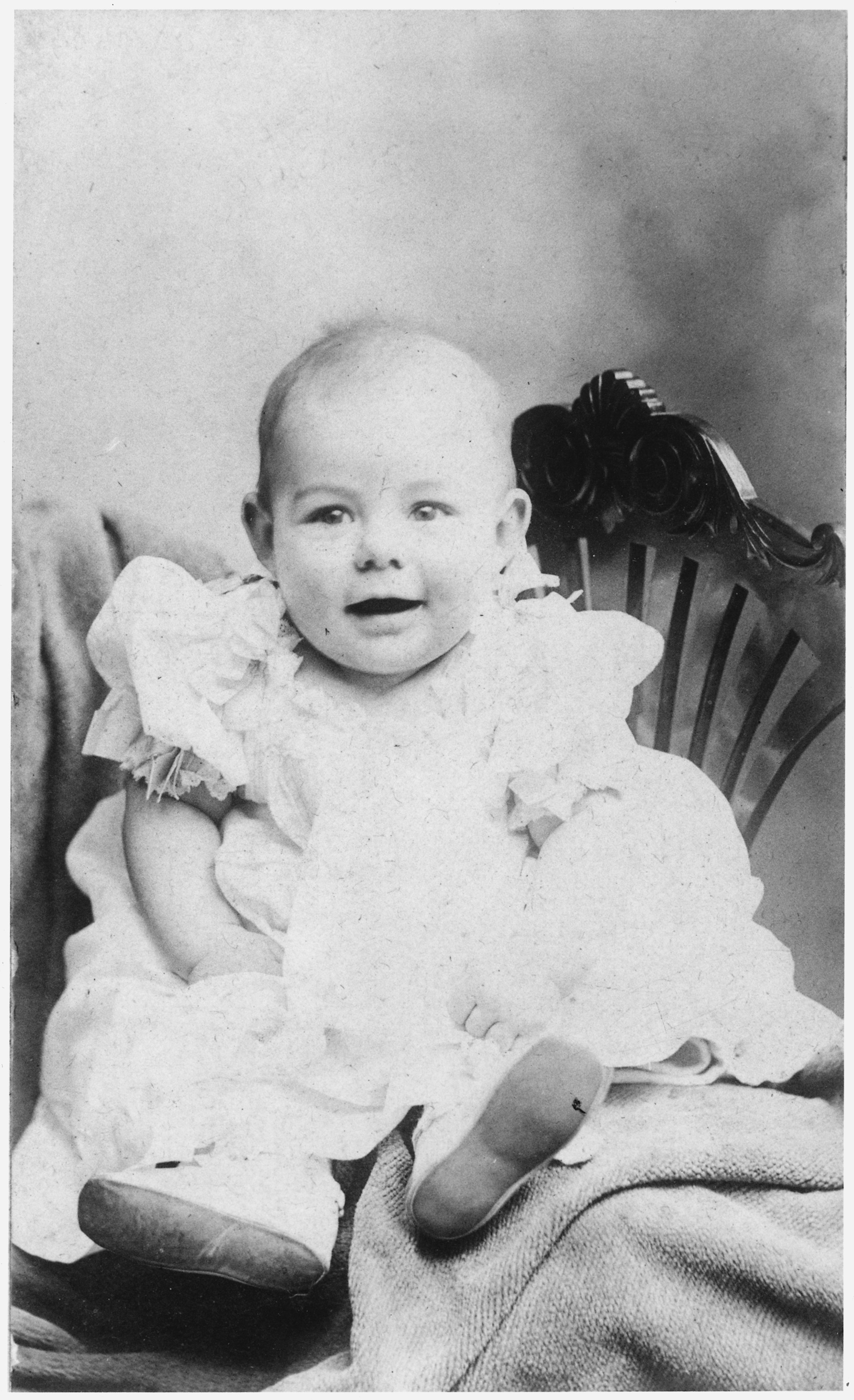 Ernest_Hemingway's_Baby_Picture_-_NARA_-_192665