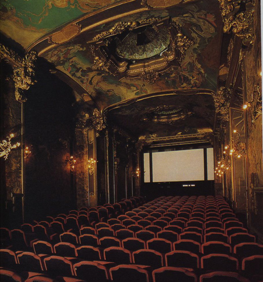 the lights dim at la pagode one of paris s best cinemas. Black Bedroom Furniture Sets. Home Design Ideas
