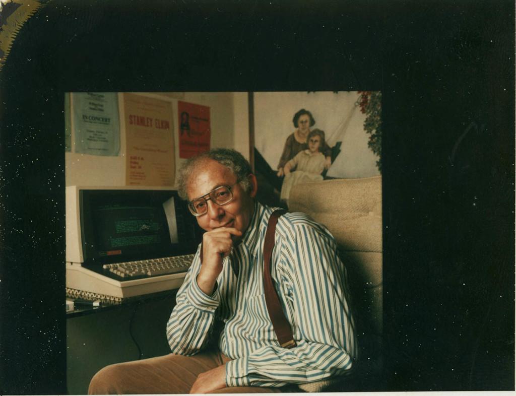 Stanley Elkin with his Lexitron