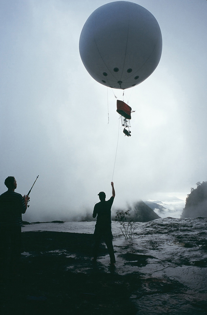 Lena Herzog, Launching a camera on a mini airship. All photographs Guyana, 2004.