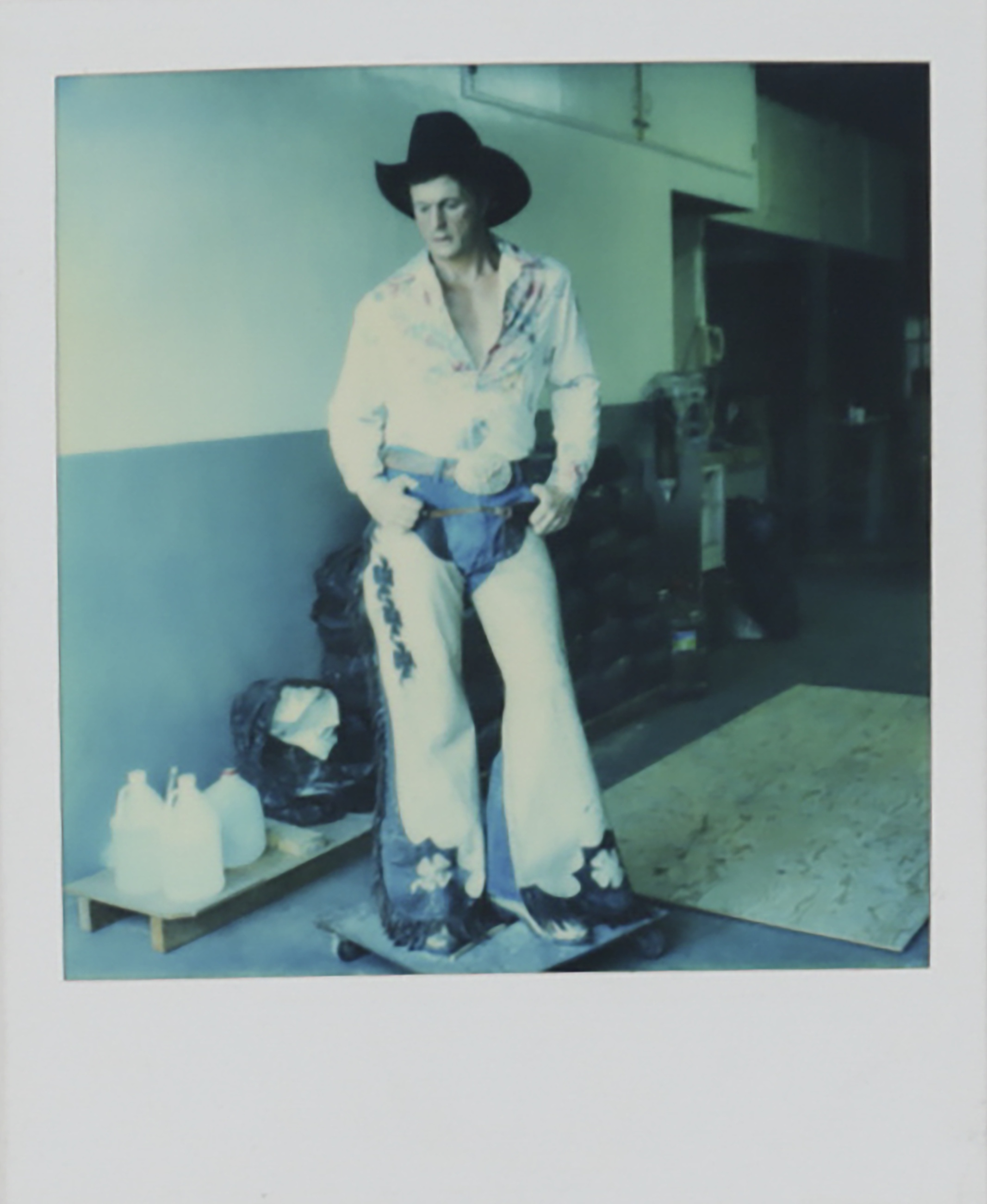 duane hason essay An analysis of duane hanson and his works pages 1  duanne hanson, duanne hanson works, a traditional model for sculptors  sign up to view the complete essay.