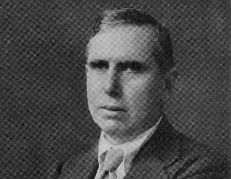 theodore dreiser his novels and naturalism Theodore dreiser, the foremost naturalist writer, in novels such as sister carrie,  grimly portrayed a dark world in which human beings were.