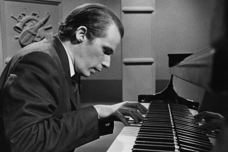 Glenn Gould Is Always on Fast-Forward